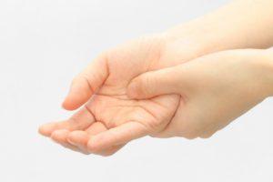 症状 突き指 突き指の症状8つ